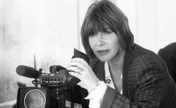 As a casualty of the McCarthy era, Lee Grant was afraid to talk. Not anymore.