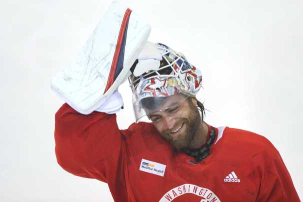 Braden Holtby focusing on championship with Capitals despite looming free agency