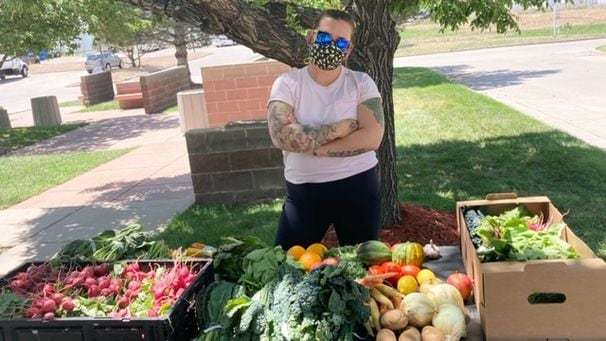 Colorado woman donates and sells boxes of repurposed restaurant produce