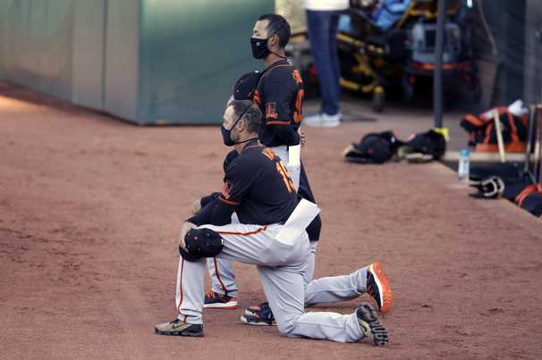 Giants manager takes a knee during anthem and Trump tweets 'the game is over for me'