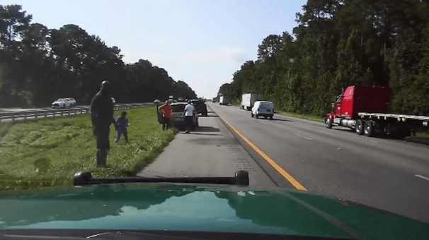 Shaquille O'Neal stops to help motorist stranded on the side of a Florida highway