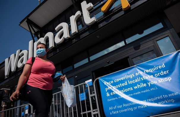 Stop turning retail workers into mask police, union leader says