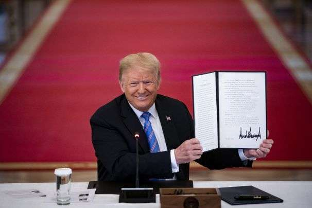 The twists and turns in Trump's executive order on immigrants and the census