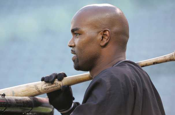 Years before players took a knee, Carlos Delgado learned how hard it can be to take a stand in MLB