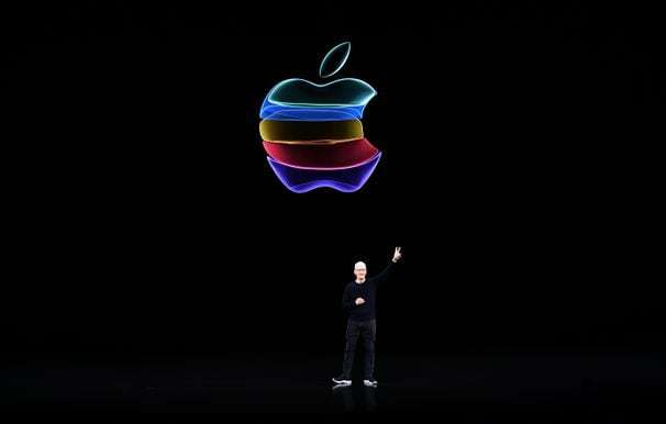 Apple hits $2 trillion in market valuation, making it the first U.S. public company to reach that milestone
