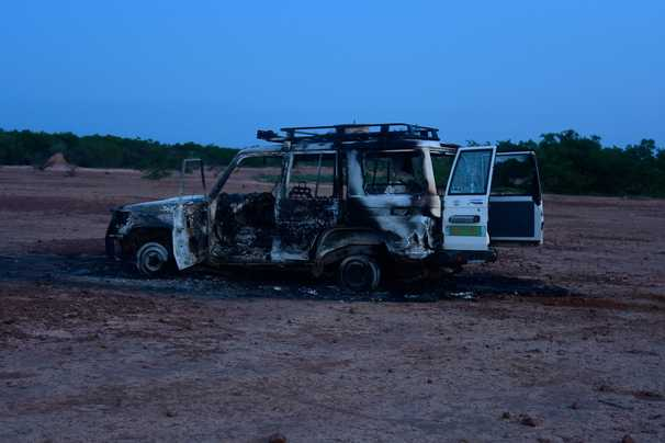 Six French aid workers and two local guides shot dead in Niger giraffe park