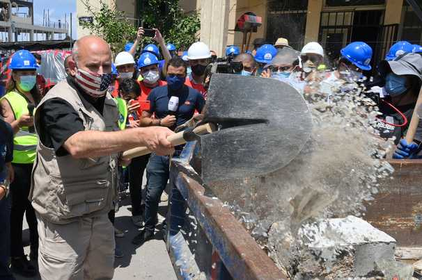 U.N. sending wheat flour to Lebanon to 'stabilize' food supply destroyed by blasts