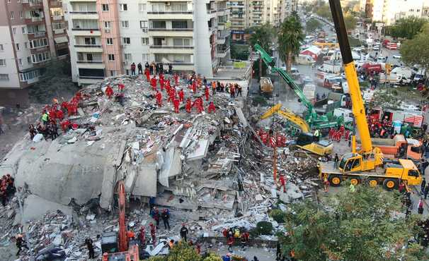 Death toll rises in powerful Aegean earthquake as Turkish rescuers race to find survivors
