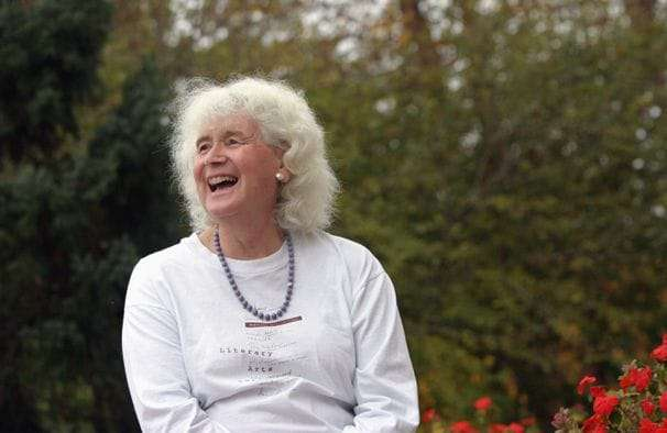 Jan Morris, artful travel writer who broke many boundaries, dies at 94