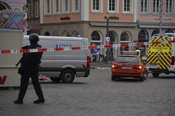 Car plows through pedestrian street in German city Trier, at least 2 dead
