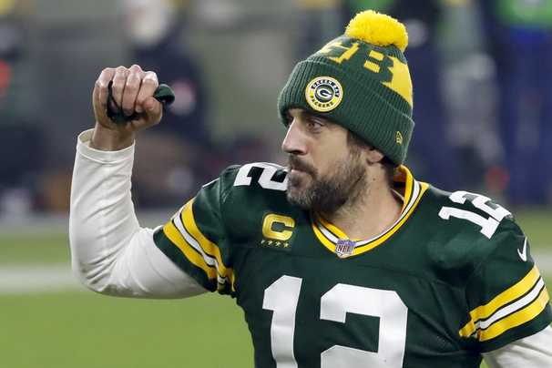 Aaron Rodgers and a relentless offense roll over Rams and into NFC championship game at Lambeau