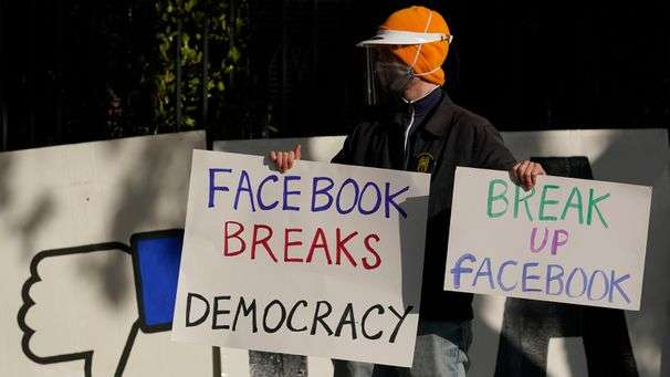 Facebook outsources its decision to ban Trump to oversight board