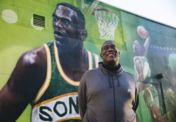 Shawn Kemp is lighting up Seattle again