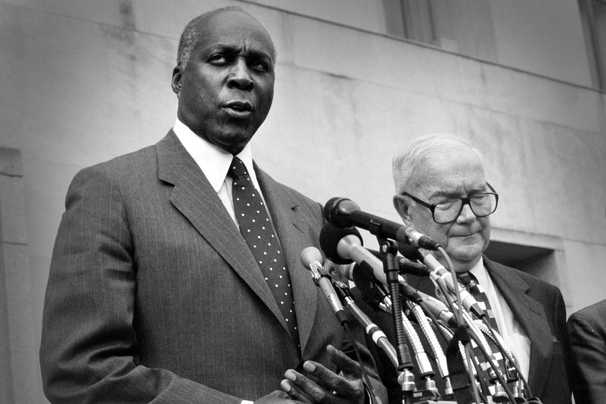 Vernon E. Jordan Jr., lawyer and D.C. political power broker, dies at 85