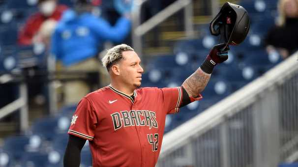 Asdrúbal Cabrera, a reminder of ways big and small to win a World Series, returns to Washington