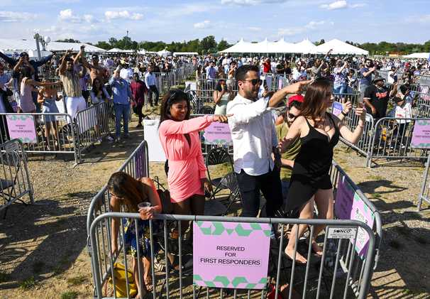 The Preakness inches back to normal, with 10,000 grateful revelers at Pimlico