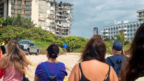 Surfside's Jewish community grows closer after tower collapse: 'It's three degrees of separation'