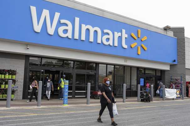 Walmart now offering free college tuition and books to its 1.5 million U.S. employees