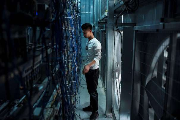 China vows to 'clamp down' on cryptocurrency trading, bans crypto mining