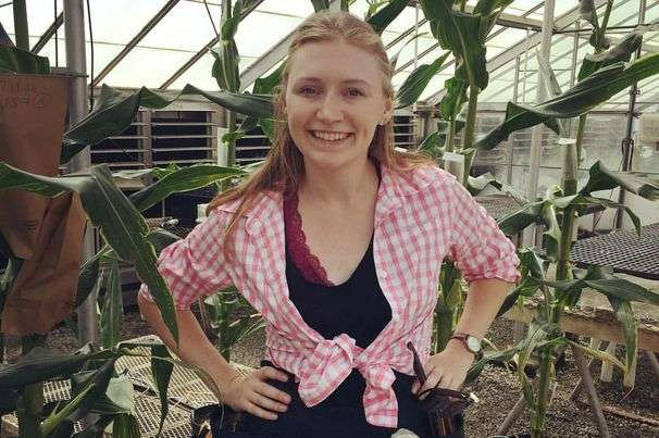Plant biologist turns to TikTok to show kids science in action