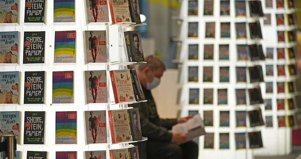 Authors pull out of Frankfurt book fair over presence of far-right groups